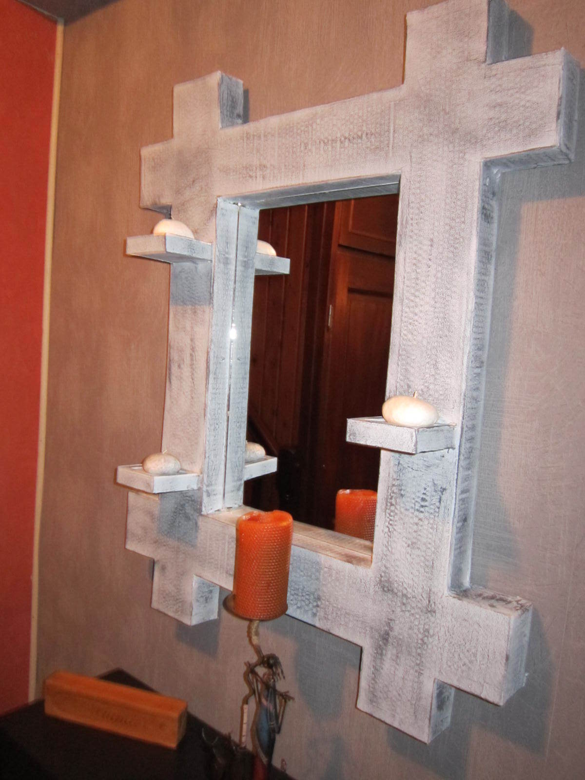 comment fabriquer un miroir en carton de r cup ration. Black Bedroom Furniture Sets. Home Design Ideas