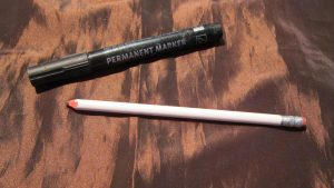 Feutre et crayon