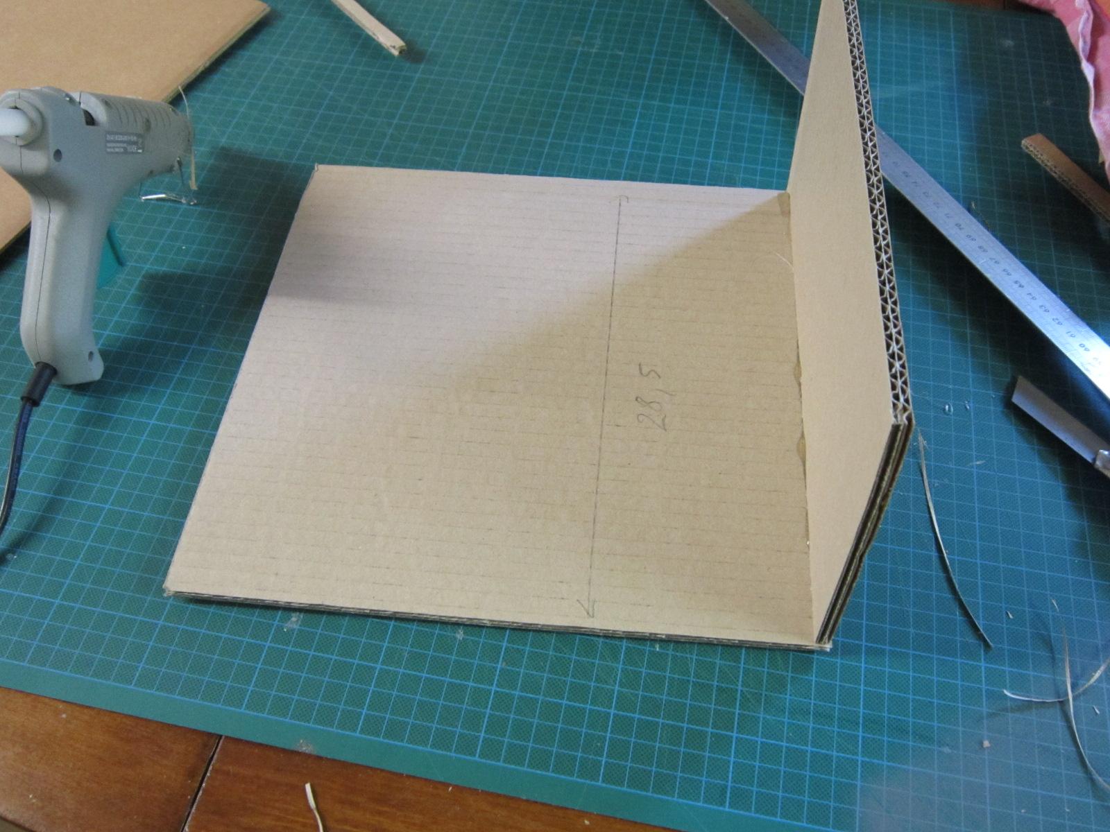 comment fabriquer un tiroir en carton tuto cartonrecup. Black Bedroom Furniture Sets. Home Design Ideas