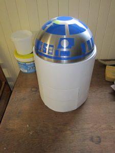 R2 D2 en carton