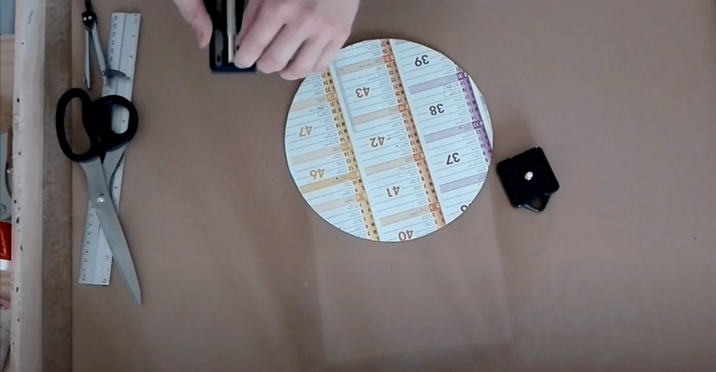 Cercle en carton découpé